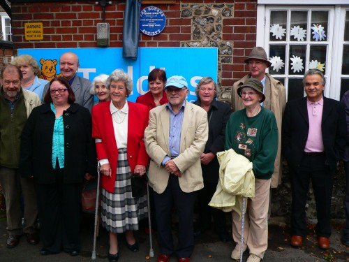 24-Smitham-Primary-Sch-now-Little-Teddies-plaque-unveiling-P1060726-small